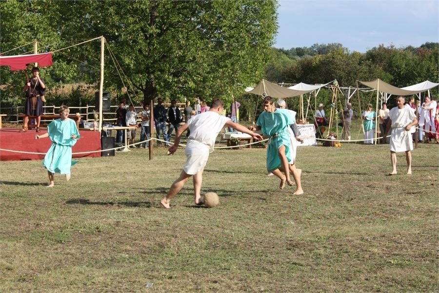 antički nogomet