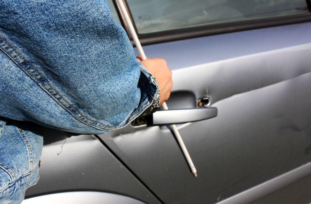 Rezultat slika za ukraden automobil