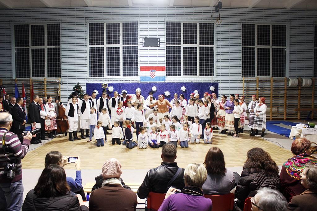 ščitarjevo božićni koncert folklor (18)