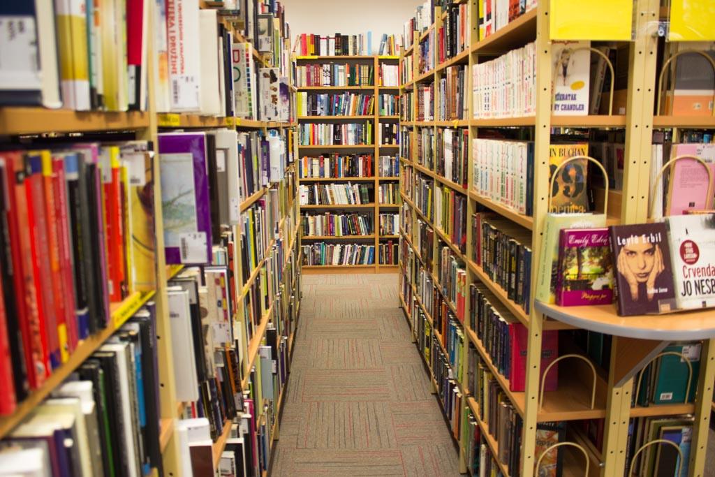 gradska knjižnica knjige police knjiga_kvgkatd (1)