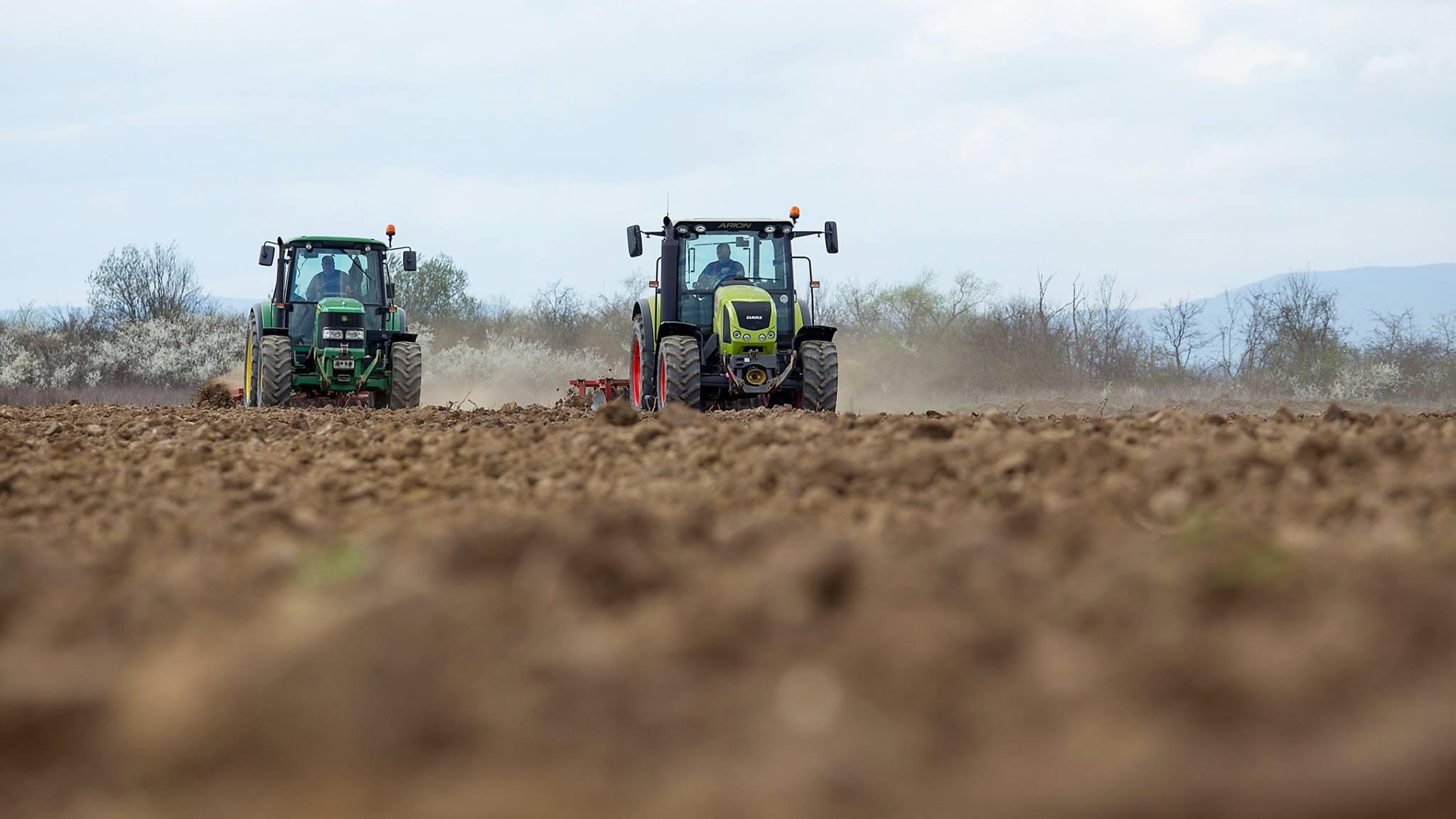 oranje natjecanje traktori polje mzilec kvg (1)