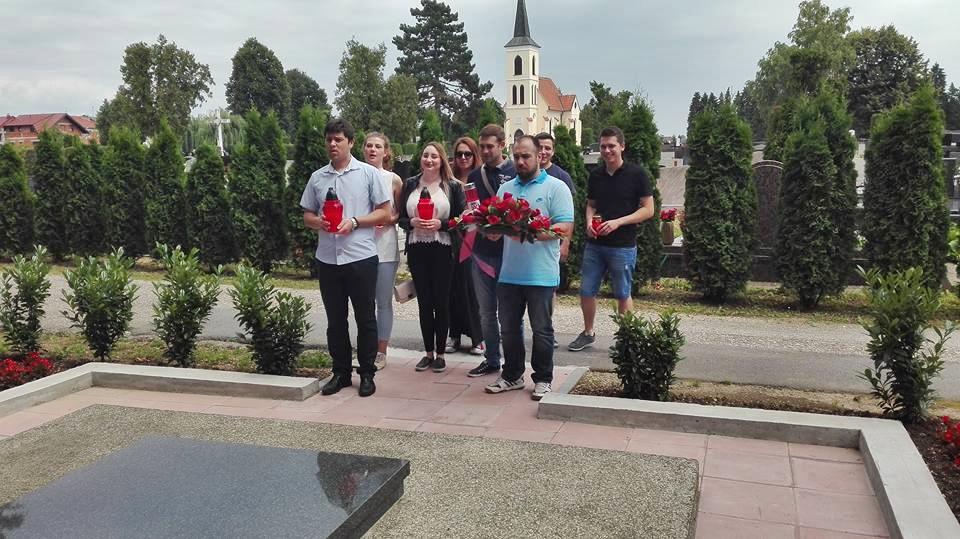 Forum mladih SDP Dan antifa.borbe vijenci fb KVG (3)