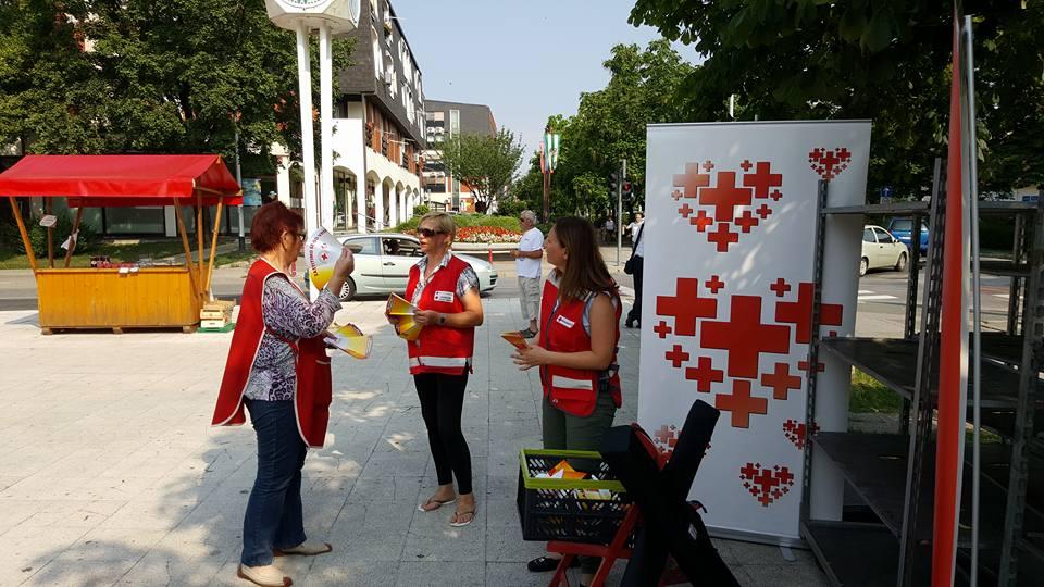 Crveni križ dijeljenje kapa i lepeza FB KVG (1)