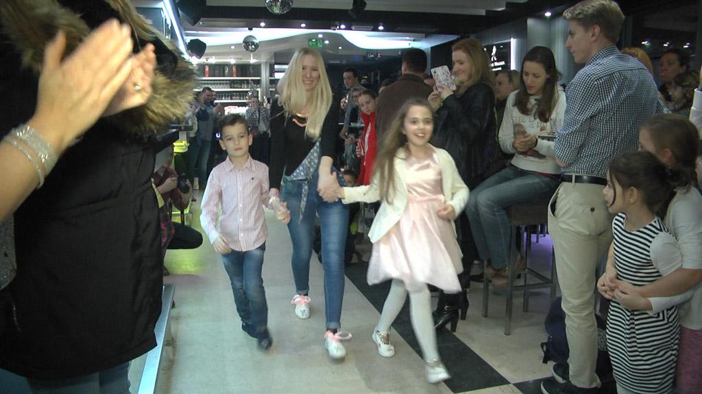 dobrotvorna-revija-i-koncert-za-ljepsi-zivot-goricki-klub-mladih-dizajneri-glazbenici-club-100-36