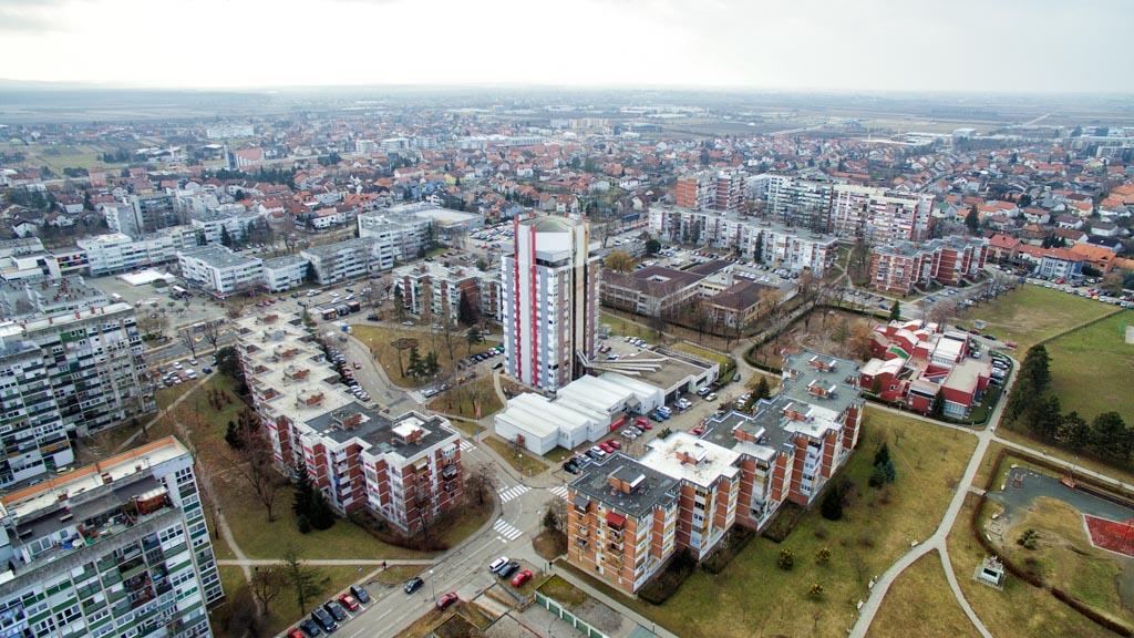 Neboder - energetska obnova - foto Mario Žilec zrak (1)